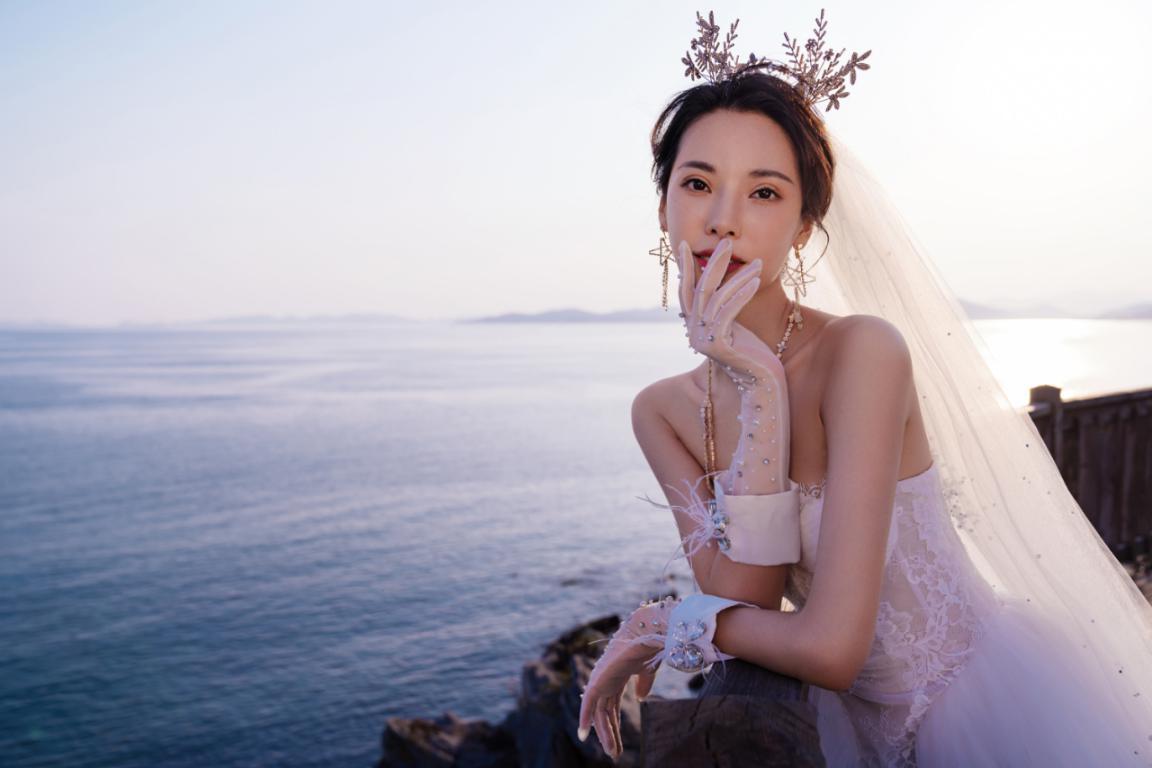 唯一视觉夕阳婚纱照怎么拍上镜?这5个拍摄技巧,让你更有魅力